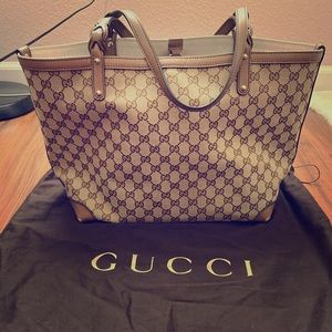 Gucci GG Medium Tote